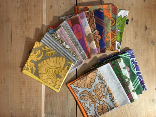 Pochettes Sari assorties